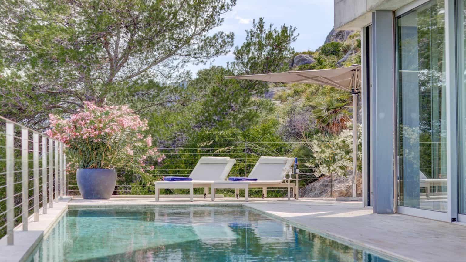 Villa Rental Mallorca - 4 Bedrooms - Balearic Bliss - Corazon de Piedra - poolside loungers