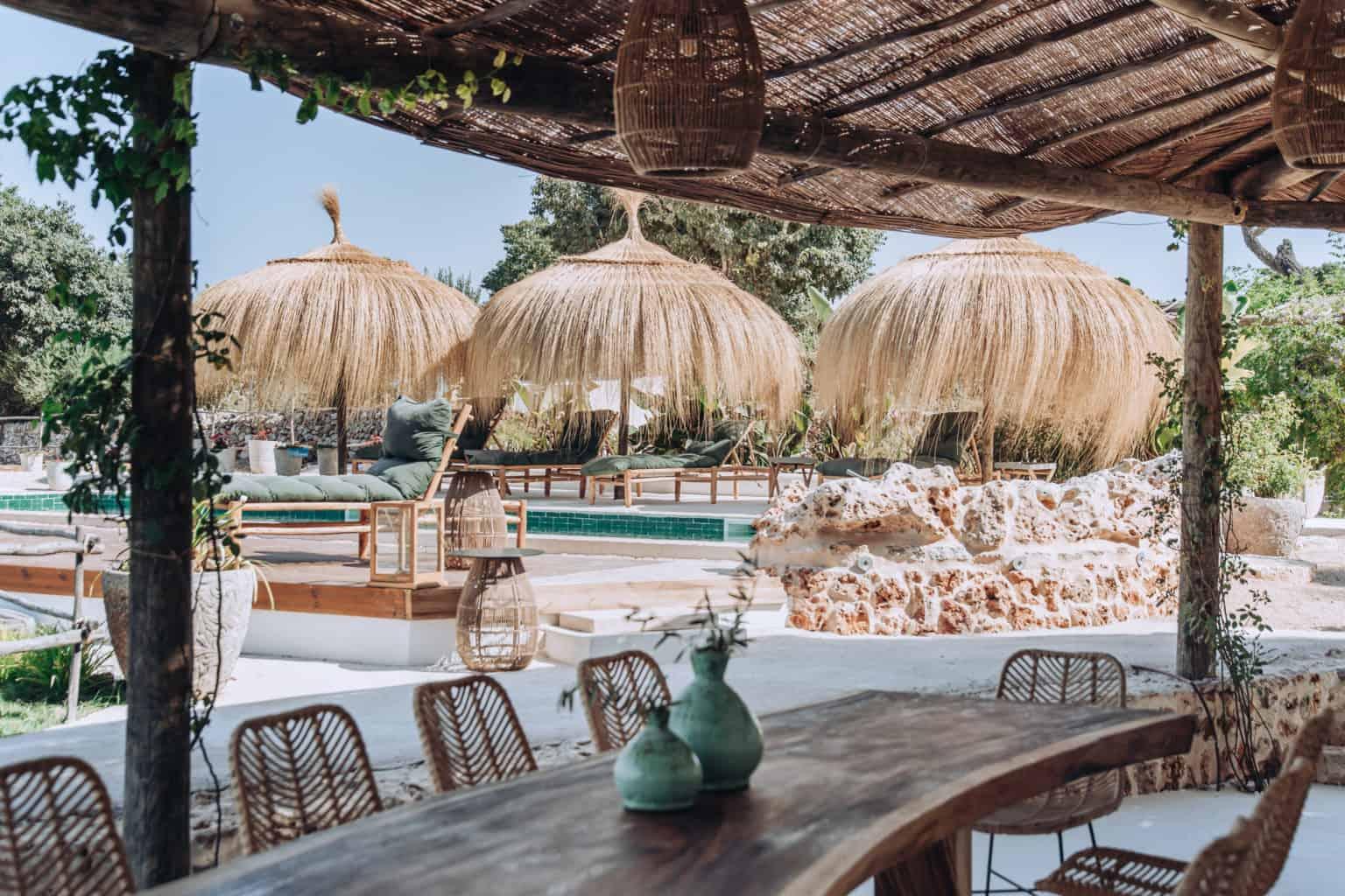 Villa Rental Mallorca - 4 Bedrooms - Balearic Bliss - Only Summer - sea grass lightshades