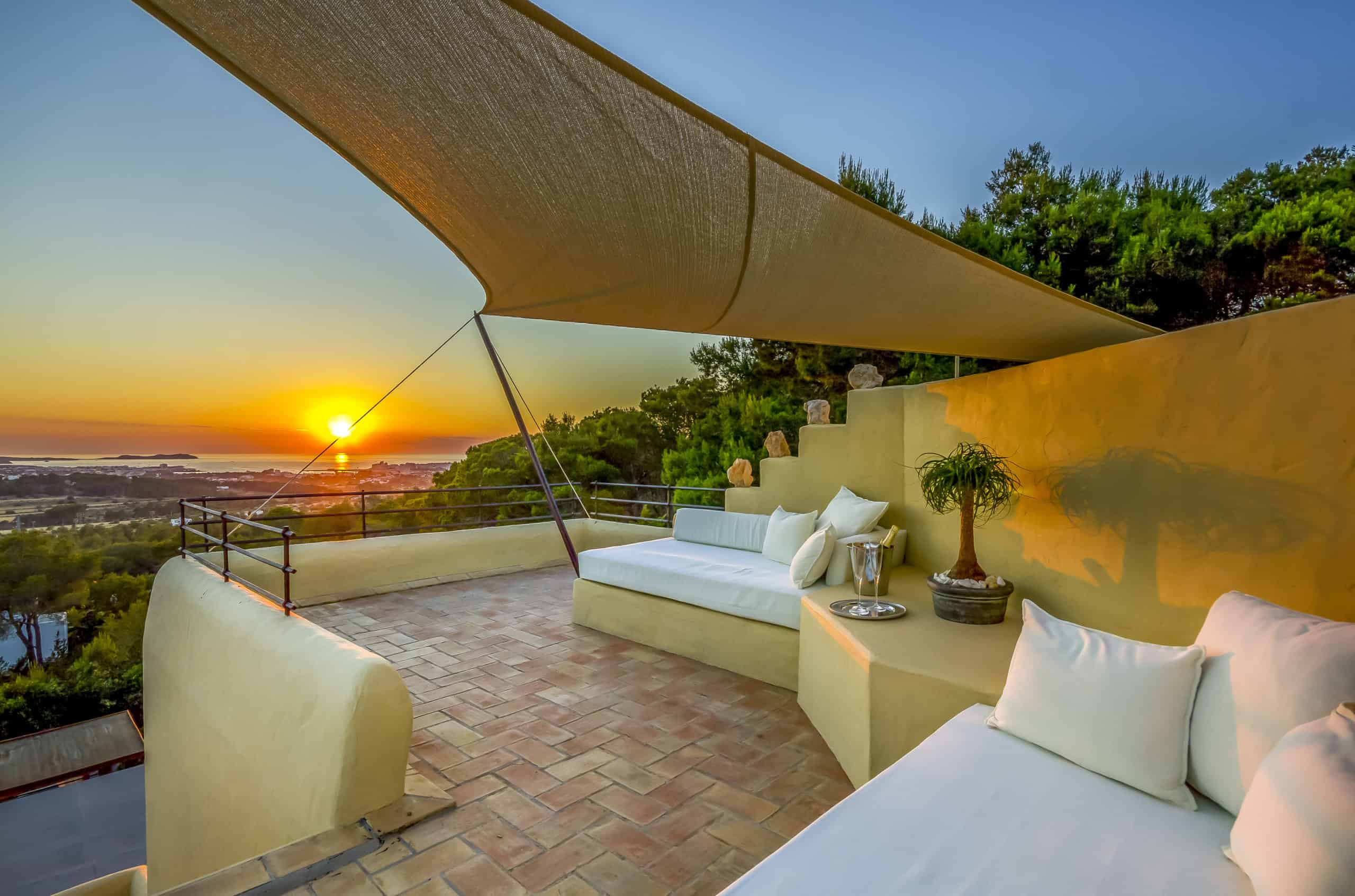 villa rental in ibiza with 4 bedrooms and sunset with Balearic Bliss