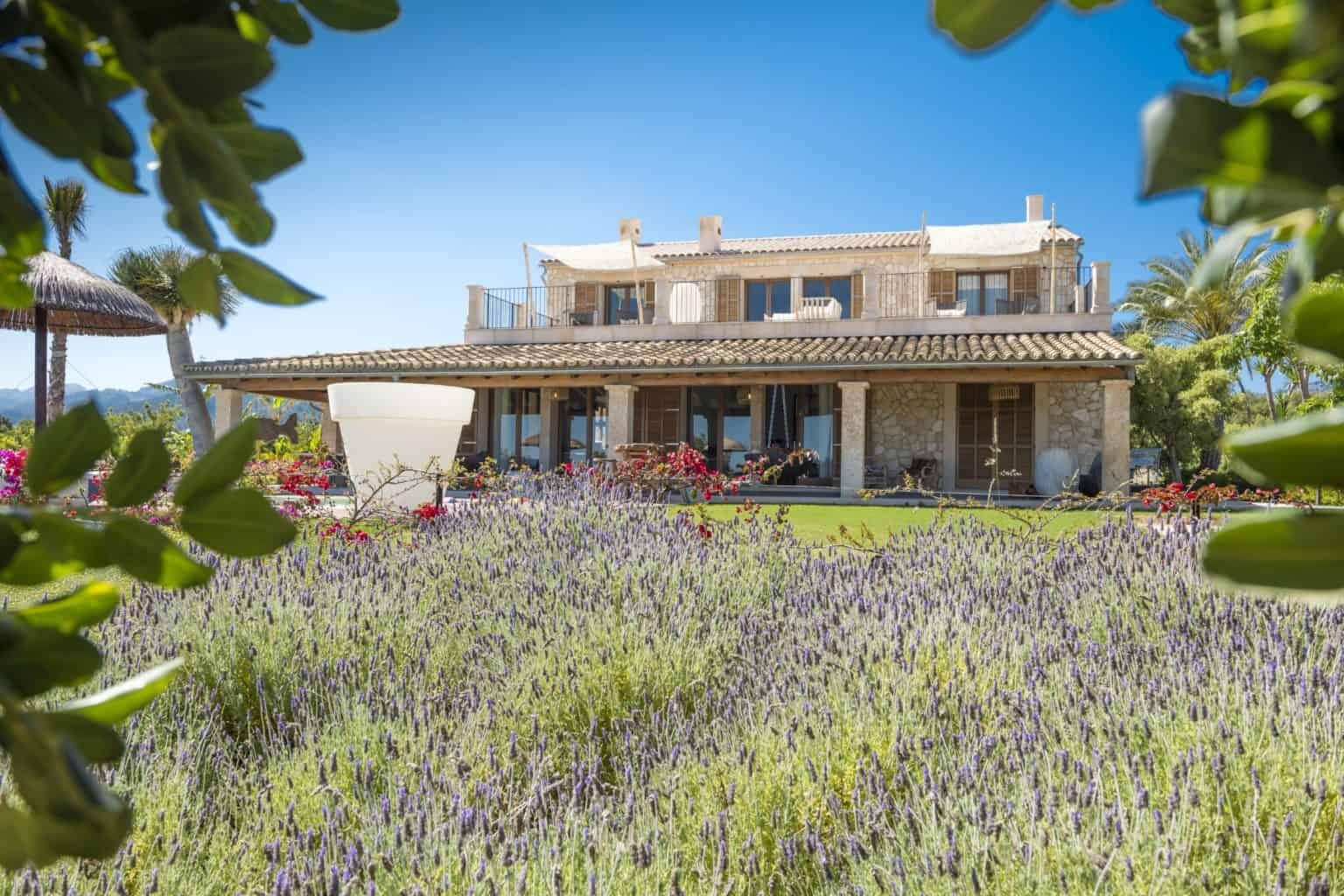 Villa Rental in Mallorca - 5 Bedrooms - Balearic Bliss - Can Vi Baix - Moscari - gardens